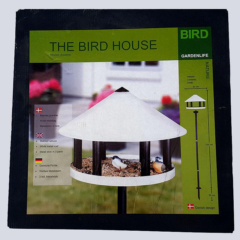 Fågelbord modell Assens, Fågelmatare av granträ