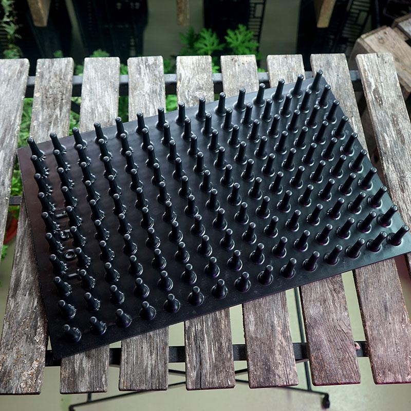 150-cells tryckplatta för pluggbrätten