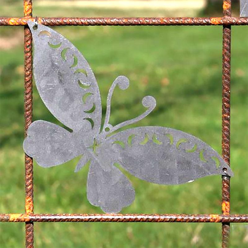 Fjäril i rost för armeringsnät, L-Fjäril som rostar, utsmycknadsdel till utomhusdekoration