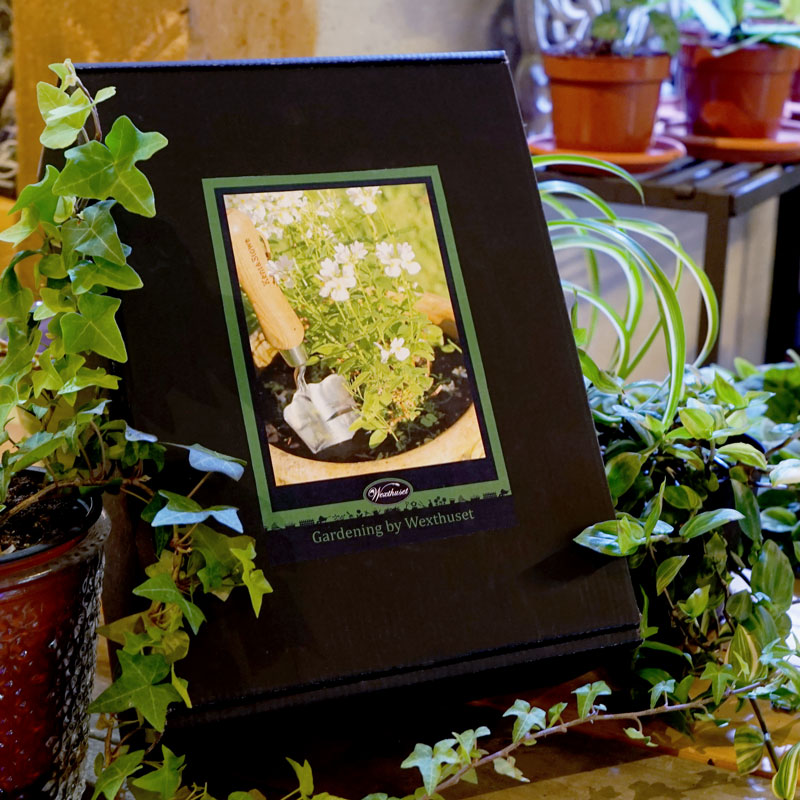 Presentförpackning med trädgårdsredskap