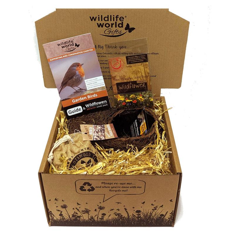 Presentförpackning med fågel-tema